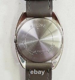RARE, UNIQUE Men's Vintage 1972 AUTOMATIC SWISS Watch BULOVA J551229
