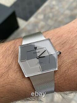 Rare & Lovely Vintage Nivada GLX Luxurious Swiss Hand-winding Mens Watch