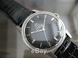 Rare Marvin Watch Co 17 Jewels Swiss Made 33 mm Black Dial cal 560 Wristwatch