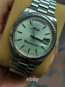 Rare Vintage Mido Commander Day Date Mido 8223 authentic swiss made Mens watch