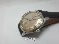 VINTAGE Universal Geneve SWISS SUB SECOND 1945s MEN'S WRIST WATCH RARE Cal. 330